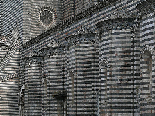 fachada-arquitetônica-de-orvieto-na-itália