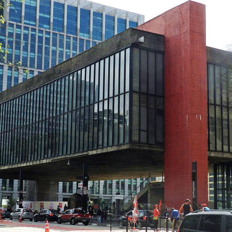 Foto do museu Masp em São Paulo, projeto da arquiteta Lina Bo Bardi