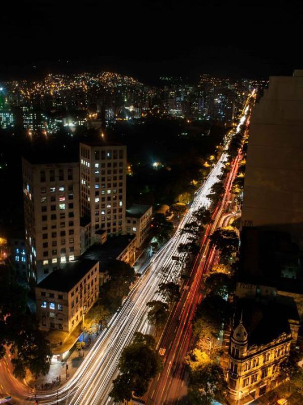 foto-noturna-avenida-afonso-pena-belo-horizonte-cadu-passos
