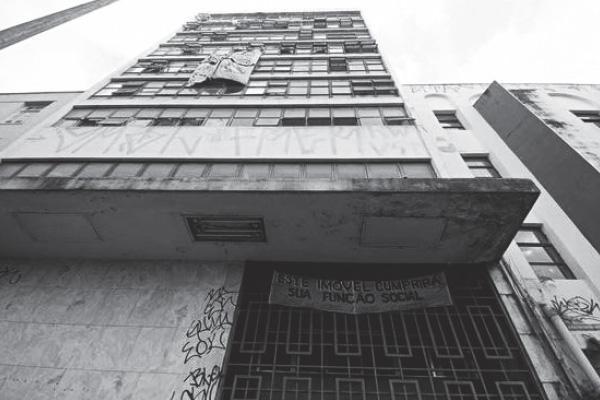 foto-prédio-abandonado-no-centro-de-belo-horizonte